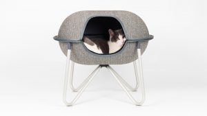 hepper pod bed with cat