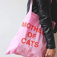 Nia Gould cat tote bag pink