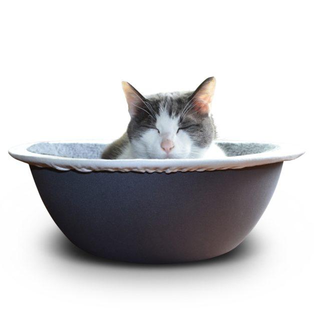 Cat in Nest Cat Bed
