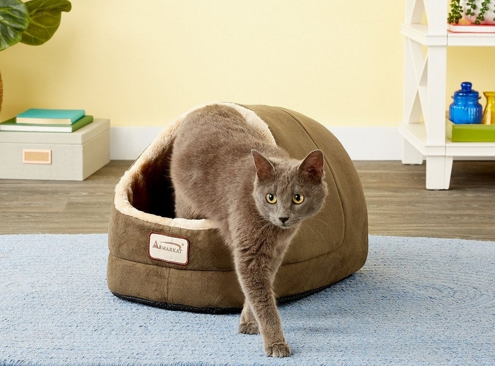 Armarkat Cave Shape Covered Cat and dog bed
